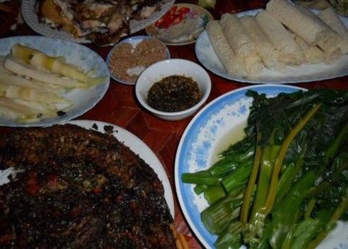 Chẳm chéo được dùng làm thức chấm với rất nhiều món ăn ngon như: măng, thịt, cá, rau rừng...